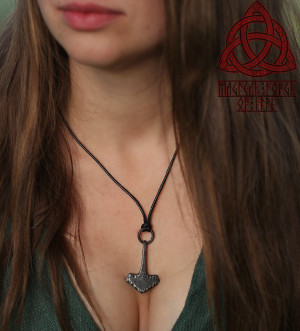 Exclusive Forged Iron Thor Hammer Cool Mjölnir Pendant Necklace