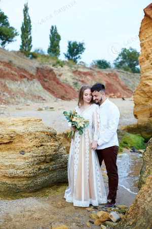Ivory Boho Wedding Dress V-neck With Sheer Long Sleeves Macrame lace Unique Bohemian Chic Lace Wedding Dress With Nude Lining