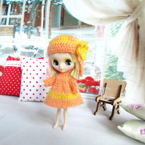 Blythe Petite dress, hat Orange outfit Knitted clothes for 4 inch tiny doll
