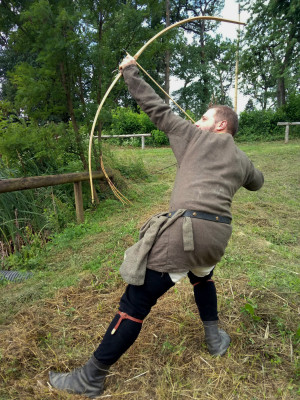 Viking Archery Reenactment Bow, Medieval Bowfishing Hunting Wooden Traditional Bamboo Bow, Shooting Strong Bow for Target Archery Tournament