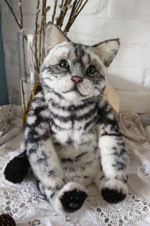 Cat portrait. Naturalistic toy cat.Cat Portrait. 18 In Teddy cat. Artist teddy bears. Pet portraits. Pets. Animalistic gifts. OOAK