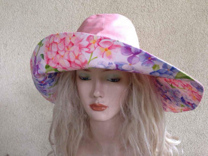 Two-sided Women's cotton sun protection hat, hat with wide brim, female beach hat Panama that can be worn on both sides. Summer cotton hat