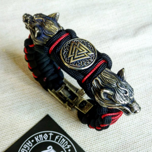 "Paracord bracelet ""VALKNUT"" with beads ""Wolf Head"". Men's style, a gift for tough men. Biker bracelet."