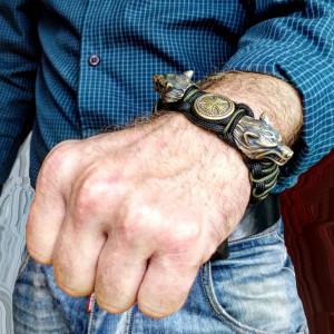 Wolf Head Paracord Bracelet.  Bracelet for biker.
