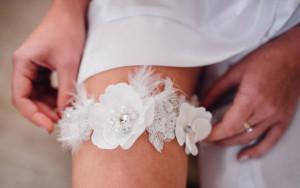 Ivory Bridal Garter  Bridal Garter Belt Crystal pearl Wedding Garter Stretch Lace Garter Rhinestone Crystal Bridal Garters Toss Garter