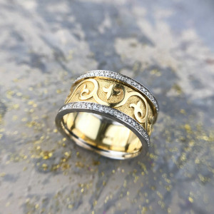 Floral Wedding Band, Lily ring, Fleur De Lis Ring, Medieval Ring, Antique Wedding Band, Ancient Ring, Nature Inspired Ring, Wide Gold Band