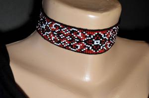Choker collar beaded necklace