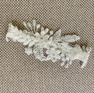 Bridal garter with beads, Bridal garter ivory, Crystal wedding garter, Bridal flower Garter
