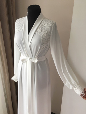 Long bridal robe with lace, Ivory robe, morning lingerie, maternity dress, silk robe, boudoir robe, personalised robes, gift for bride