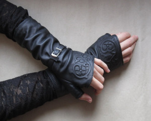 Rock leather mittens - Gothic leather gloves - Black leather mittens