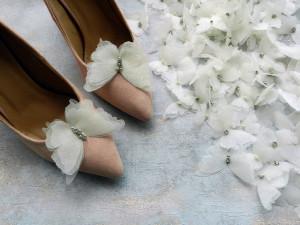 Ivory Butterfly shoe clips Wedding Bridal shoe clips Bows shoe clips Wedding Accessories Bridal Jewelry Handmade organza butterfly jewelry