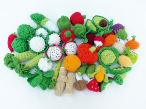 Crochet vegetables fruits 30 Pc, teether teeth, play food, kitchen decoration, eco-friendly Baby toys,Waldorf Toys,Holiday Presents