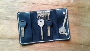 Black leather personalized gift Stylish leather keychains Keys holder Engraved leather Key chain Leather key organiser Monogram keychain