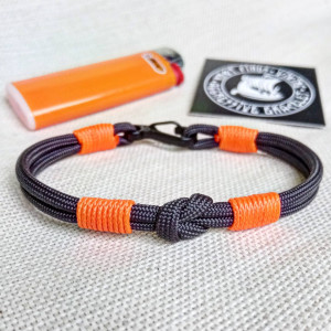 Thin paracord bracelet. Bangle rope made of paracord and carabine for men. Skydiving bracelet. Surfer bracelet.