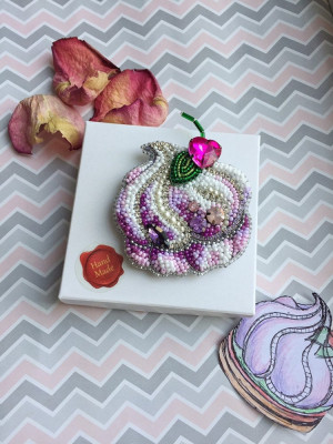 Embroidered brooch lilac marshmallows, easter souvenir
