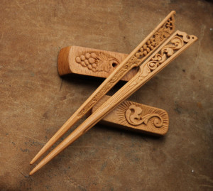 Wooden carved hairstick on stand, floral design hairpin, handcarved hair fork, art nouveau hairdo, grape hair stick, fairy elven elvish elf
