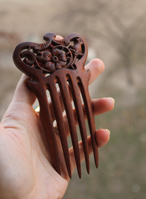 Wood carved wide haircomb with stand, floral design walnut hairpin, handcarved hairdo, LARP beauty gift for her, elven elvish elf fairy