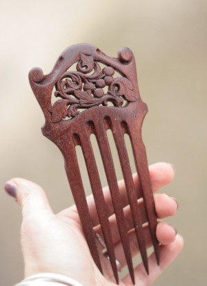 Wood carved wide haircomb, grape walnut hairpin, handcarved hairdo, LARP beauty gift for her, elven elvish elf fairy flamenco hair piece
