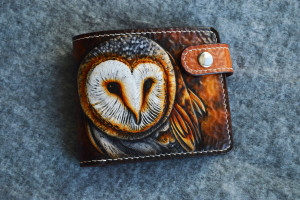 Barnowl. Short leather tooled wallet.