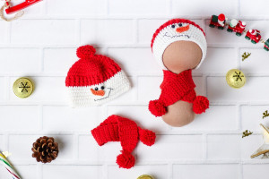 Set hat and scarf. Snowman hat. Snowman hat in red. Snowman hat for dolls. Clothes for dolls. Hats for Blythe doll, Tilda and other