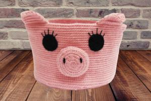 Knitted basket piggy