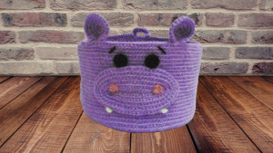 Decorative knitted basket for hippopotamus