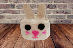 Knitted bunny decorative basket