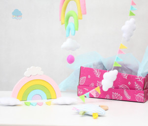 Rainbow gift box 0-12 month Baby girl set New Born girl gift set Baby Shower Gift Basket New Mom Baby Gift Pastel rainbow cloud nurcery