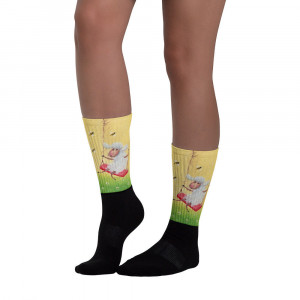 Socks Lamb and bees. These socks are extra comfortable thanks to their cushioned bottom. The artwork printed along the leg.