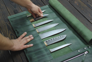 Green Knife Roll, Leather Chef Knife Roll, Tooll Roll, Personalized Leather Knife Roll, Leather Roll for seven knives, Gift for the cook