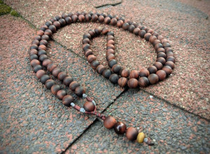 Natural Matte Red Tiger Eye 108 Beads Buddhist Mala Prayer Rosary for Mantra Meditation Yoga Relaxation Necklace