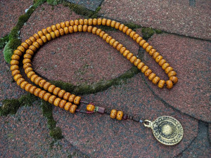 Old Bodhi Moon and Star Mala Prayer 108 Beads Buddhist Rosary Mantra Meditation Necklace Demonorops Melong Bagua Mirror Amulet