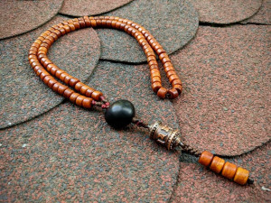 Tibetan Old Yak Bone Wheel Mala Prayer Necklace 108 Beads Orange Rosary Yoga Mantra Meditation On Mani Padme Hum Spinner