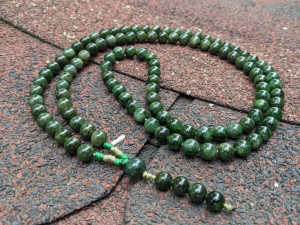 108 Mala Buddhist Prayer Rosary 100% Natural Russian Green Jade Nephrite Real Hard Stones Necklace