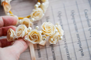 Ivory roses with pearl bracelet
