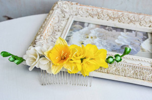 Yellow freesia hair comb