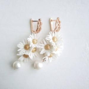 Wedding earrings drop, daisy earrings
