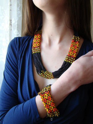 Hutsul folk ukrainian necklace and bracelet set Beaded necklace Seed bead necklace Beaded bracelet Black jewelry set Seed bead bracelet