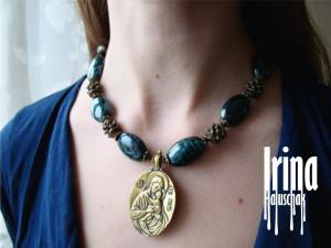 Emerald beaded necklace Glass beads necklace with brass icon pendant Ukraine jewelry Ukrainian necklace to vyshyvanka Bohemian necklace