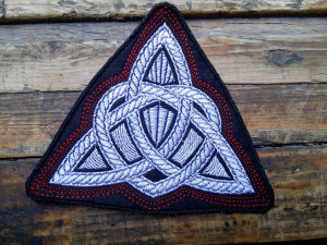 Celtic knot patch - Viking patch with celtic knot for jackets and backpacks or bags - Patches for Jacket - Iron On Patch - Embroidered patch