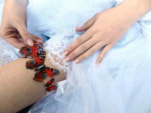 Ivory Red  Bridal Garter Silk Butterfly Garter  Rhinestone Wedding Garter  Wedding accessories for the bride Wedding butterfly accessories