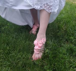Pink flower barefoot sandal  Beach wedding  Wedding anklet Nude shoes Bridal accessories Wedding foot jewelry Silk flowers fabrik jewelry