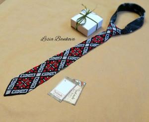 red black Ukrainian men's tie Ukrainian ornament tie for embroidery Men's gifts Men's accessories Gift Ukrainian beads