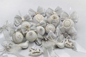 A set of 24 Christmas decorations Handmade white X-mas tree balls Silver Christmas-tree toys Christmas ornaments with rhinestones & fretwork