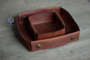 Personalized valet tray Custom leather catchall Leather desk caddy Gifts for dad Fathers dad gift