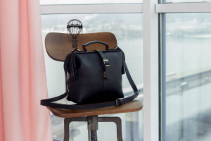 Black leather crossbody bags for women/Doctor metal frame purse/Shoulder bag/6 colors/PERSONALIZED/Full grain leather