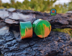 Pair of wood resin plugs,  plugs and tunnels, 00 gauge earrings, ear gauges, wood gauges, wooden gauges, resin plugs,  0g plugs, 00 gauges,