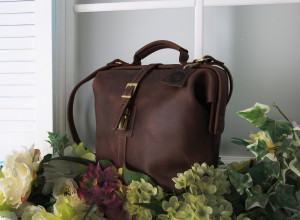 Leather crossbody purse/Brown leather purse/Handmade leather doctor bag/6 colors/PERSONALIZATION is available