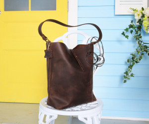 Brown leather purse, Leather shoulder bag, Leather purse strap / 6 colors / Genuine leather / Strap f carrying by hand or on the shoulder
