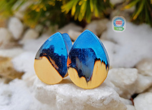 Teardrop plugs, wood gauges, wood plugs, plugs and tunnels, 00 gauges, resin plugs, 00 gauge earrings, customplugs, ear plugs, wooden gauges